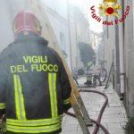 Toro, scoppia uno scaldabagno a legna: casa distrutta dalle fiamme