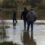 Alluvione a Pettoranello, barriere di contenimento sull'argine del Carpino