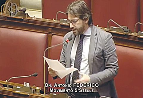 Decreto sicurezza, ribelli 5s alla Camera: c'è pure Federico