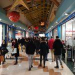 Consumismo natalizio, nel capoluogo è corsa all'ultimo regalo