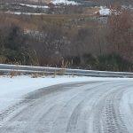 Il ghiaccio tiene in scacco gli automobilisti, proteste sul versante della Trignina