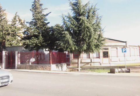 Migrante sventa furto in un chiosco della frutta, denunciato il ladro: è un 15enne albanese