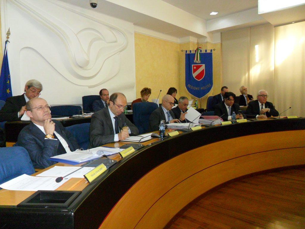 Autonomia dei più forti, il Consiglio dice no alla «secessione 'anticipata'»