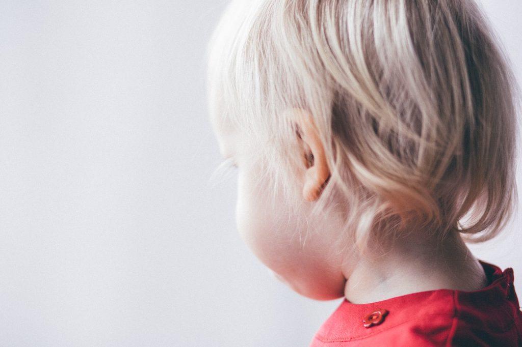 Maltrattamenti sui bimbi, maestra d'asilo di San Salvo agli arresti domiciliari