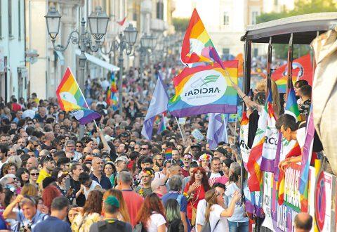 Molise pride, l'Arcigay dà il via alla raccolta fondi per la seconda edizione