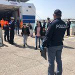 Termoli, trasferiti a Foggia i 18 migranti curdi e iracheni