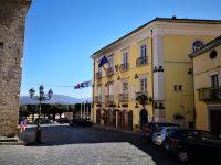Barriere architettoniche a Venafro, i diversamente abili: «Fate qualcosa per noi»
