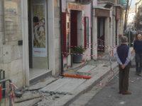 Restyling dei marciapiedi in centro a pochi giorni dal Corpus Domini, sale la polemica tra i commercianti