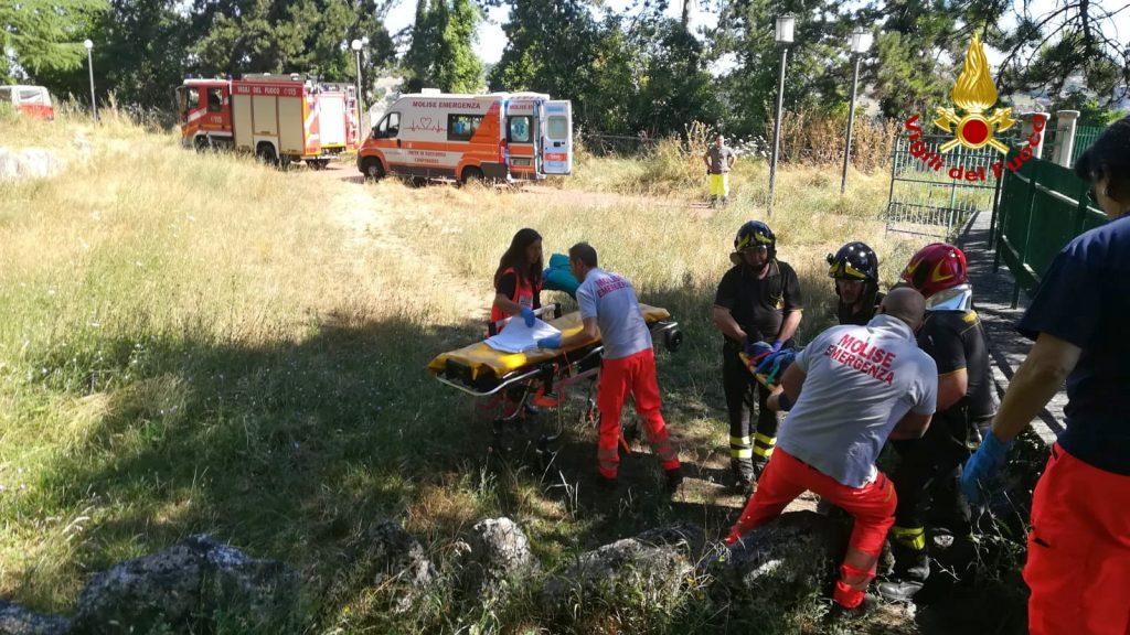 Campobasso, dramma lungo la via Matris: 56enne cade in un dirupo e perde la vita