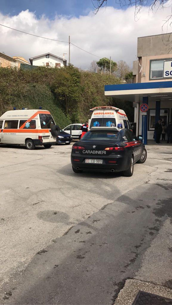 Isernia, aggredisce carabinieri e infermieri: arrestato un operaio ubriaco