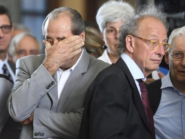 Di Pietro rimette la toga per l'ultimo saluto a Borrelli