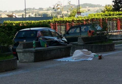 Campobasso, dramma della solitudine in pieno centro: dorme in strada da 3 mesi