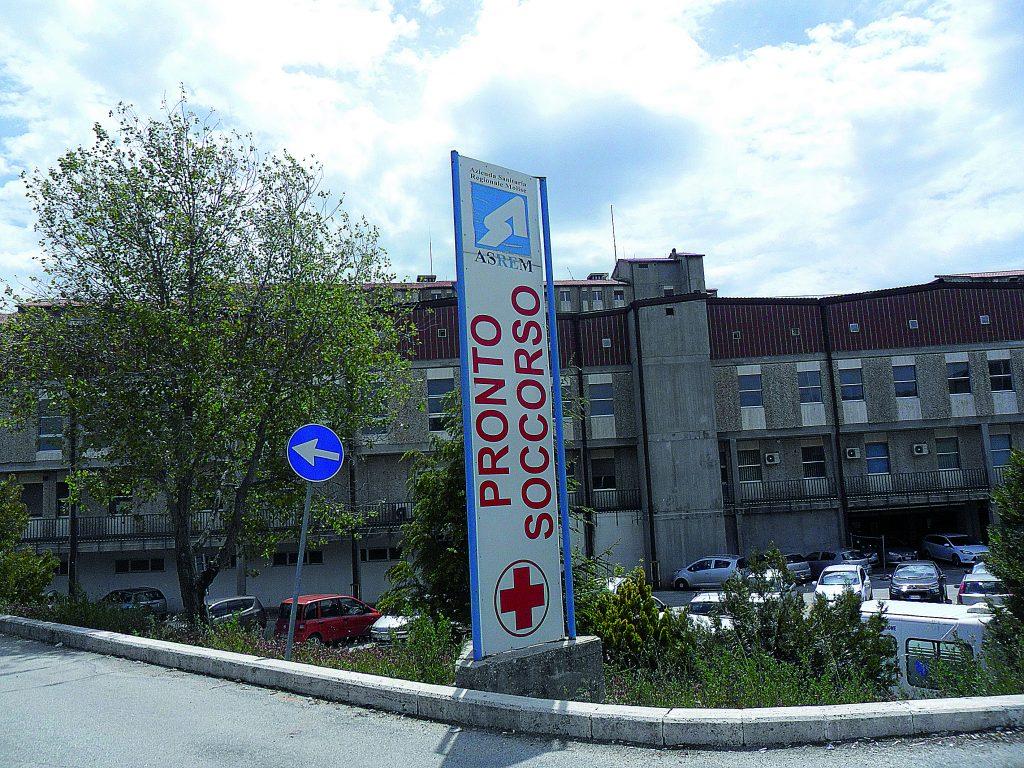 Caos al Cardarelli, lite iniziata in centro sfocia in rissa al Pronto soccorso