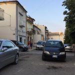 Anziano si getta dal balcone e muore a Santa Croce
