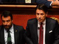 Conte si dimette da premier, ma prima silura Salvini: «Incosciente e senza coraggio»