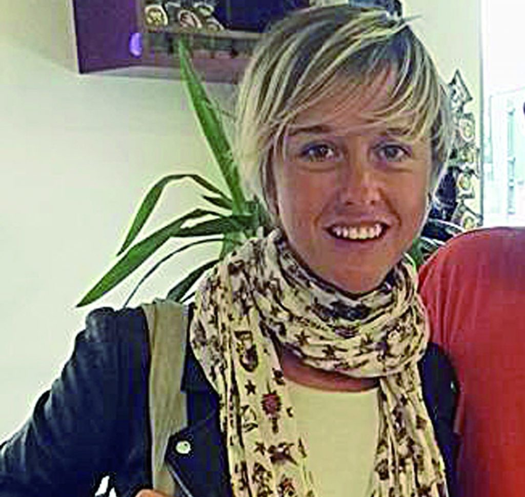 Il cancro si vive con il sorriso, la grande sfida di Nadia Toffa
