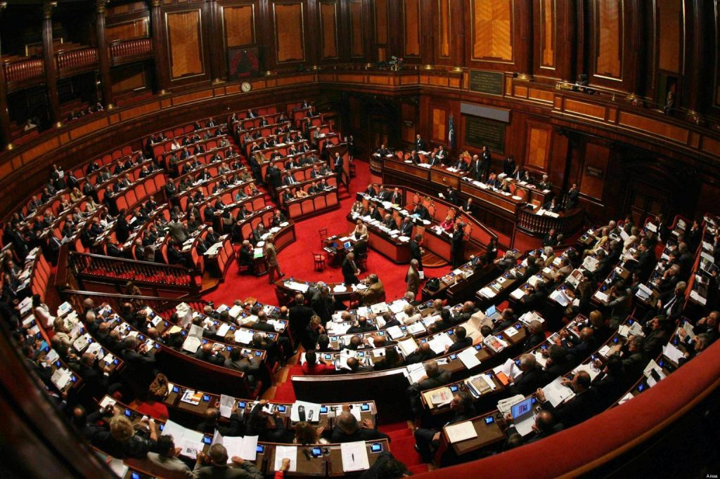 Governo in crisi, Grillo allontana l'ipotesi del voto