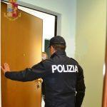 Isernia, minaccia e picchia due impiegate per soldi: nei guai un migrante violento