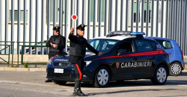 Termoli, ruba auto dal concessionario: inseguito e acciuffato dal 112