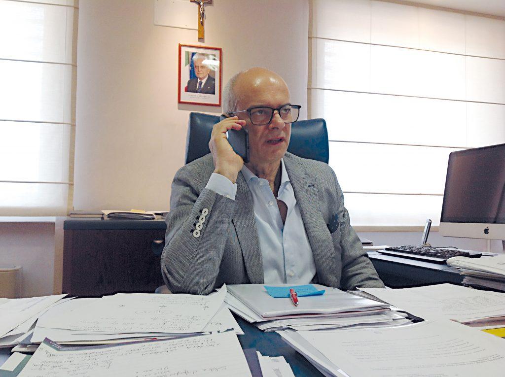 Giustini in Comune, il governatore da Bruxelles: «Vuol condividere la bozza. Ma non sia una notifica…»