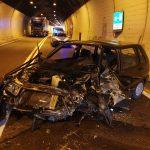 Tragedia sulla SS 158: frontale tra due auto in galleria, muore 90enne