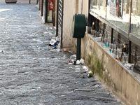 Campobasso si scopre proibizionista, stop a cibo e bevande fuori dai locali