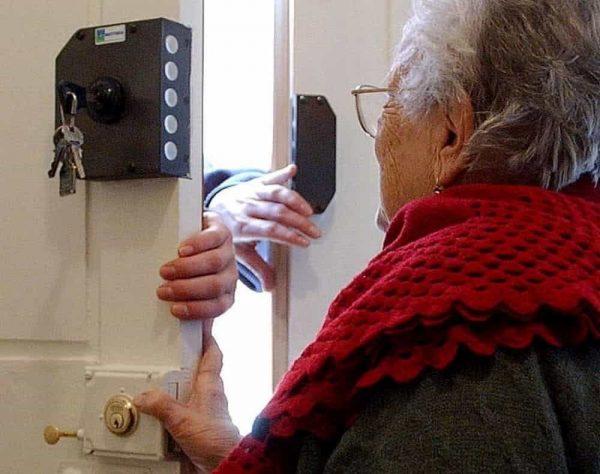 Bojano, falsa dottoressa Inps truffa un'anziana: spariti 1000 euro