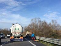 Bojano, investe due ciclisti e scappa: arrestato dai Carabinieri