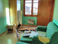 Villaggio provvisorio a San Giuliano di Puglia vandalizzato e preda di degrado e abbandono