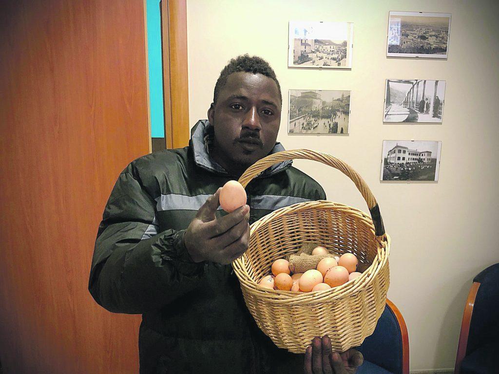 Permesso di soggiorno negato nonostante il suo impegno nel sociale, Amadou fugge dal Molise