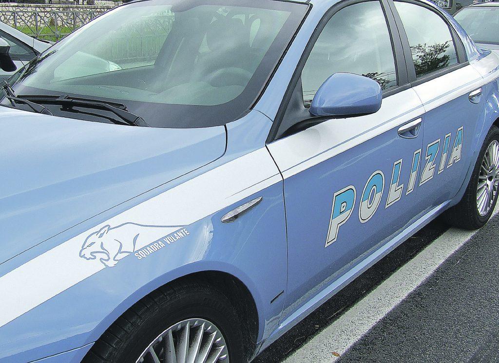 Termoli, non rispetta lo stop all'incrocio e travolge una Skoda Octavia della Polizia stradale