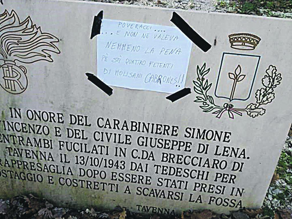 Offese alla memoria delle vittime a Tavenna