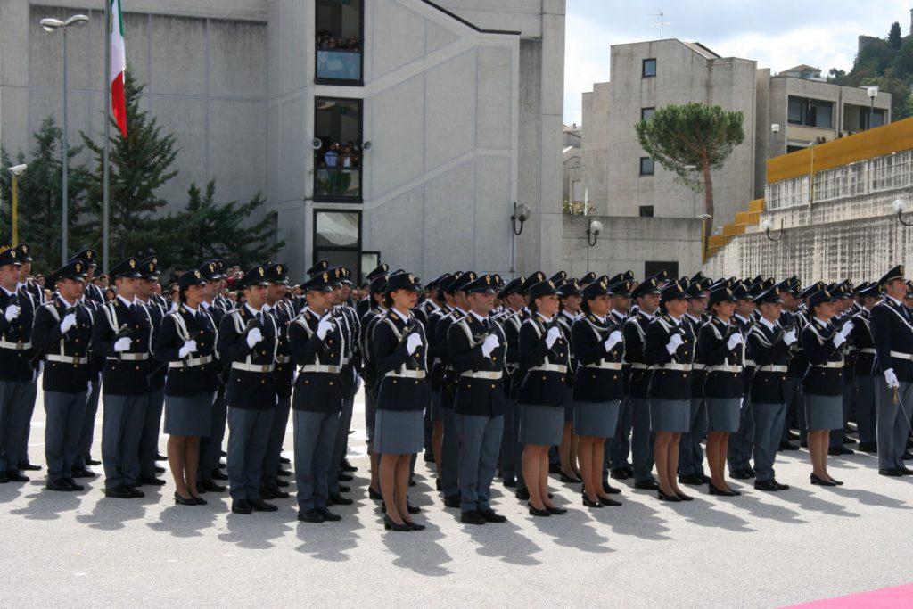 Agenti da Piacenza a Campobasso, oggi si completa il trasferimento: allievi in sorveglianza attiva