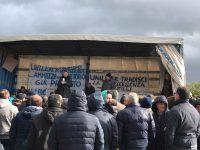 Unilever, la lotta continua: sciopero almeno fino a domani