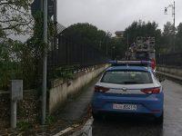 Isernia, donna tenta di lanciarsi nel vuoto: attimi di panico sul ponte Cardarelli