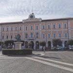 Covid-19, nuova ordinanza del sindaco Gravina: altre prescrizioni per i locali