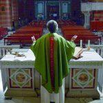 La cura spirituale per il covid-19, l'assistenza arriva da Hong Kong