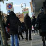 Pescara, file ai supermercati