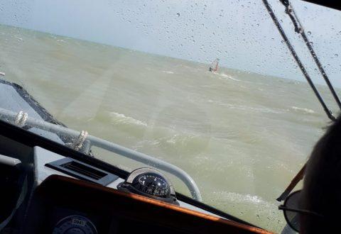 In mare col wind-surf, 53enne sanzionato dalla Finanza