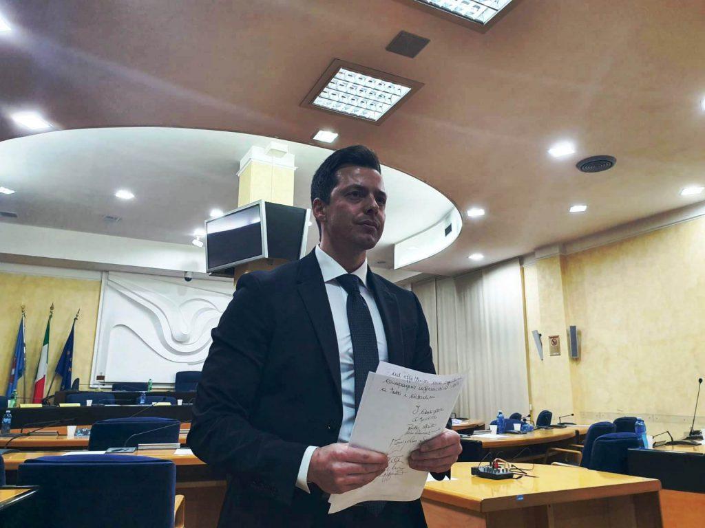 Greco cambia idea e attacca Giustini: basta impoverire la sanità pubblica