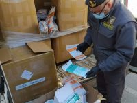 Venafro, maxi operazione della Finanza: sequestrate 100mila mascherine