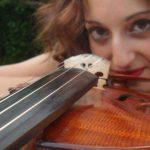 Roberta Pranzitelli e il suo violino, una passione che 'pizzica' le corde del cuore