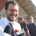 Tensioni nel centrodestra e quinto assessore, Salvini: «Prendo un caffè con Toma»
