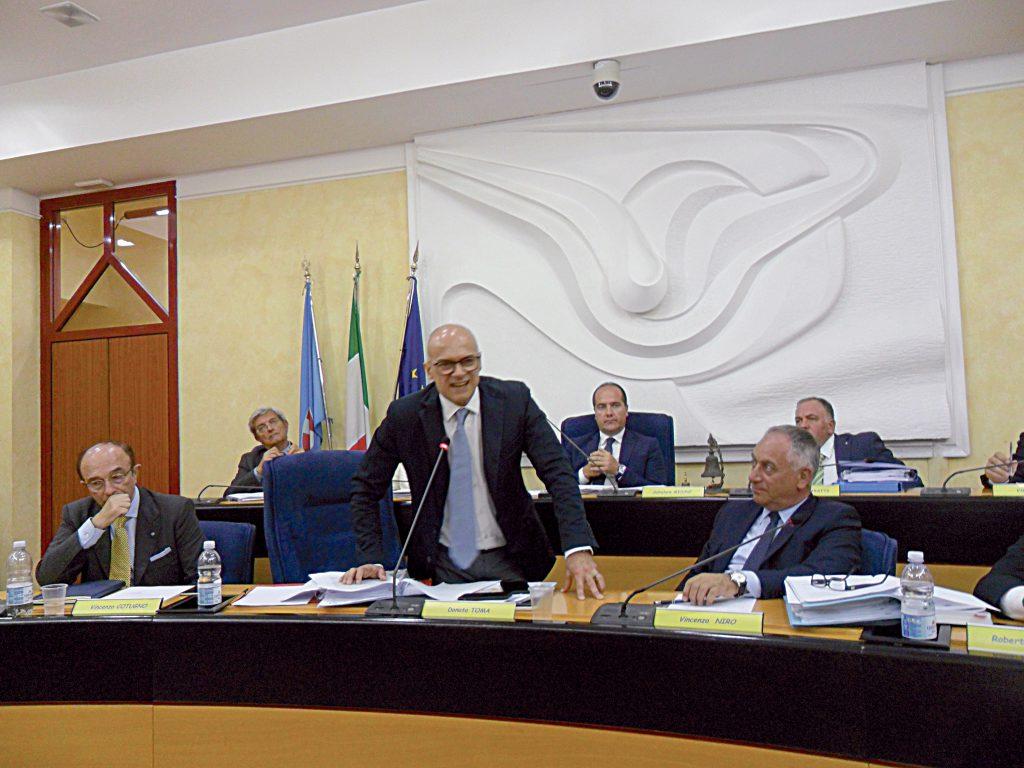 Il governatore non si scompone: ma quale golpe… la norma è superflua e la abrogheremo