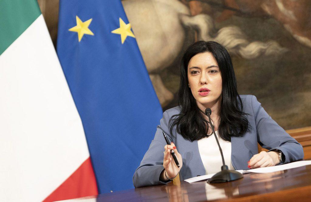 A settembre si torna a scuola in sicurezza, al Tavolo dell'Usr il ministro Azzolina