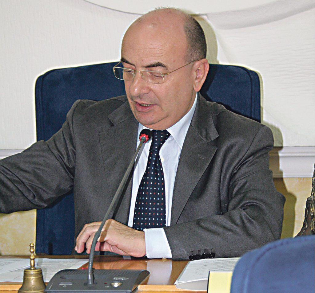 'Spese pazze', condannato Picciano: tre anni, interdizione e 56mila euro da restituire