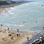 Termoli, il vento non ferma turisti e bagnanti: 'salva' la prima domenica di luglio