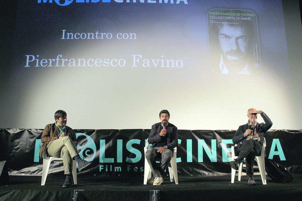 L'umiltà d'autore di Favino incanta la platea del film festival calendino
