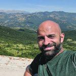 «Terra meravigliosa»: dai monti al lago di San Vincenzo, la vacanza di Luca Trapanese e Alba in Molise