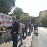 «Processo politico»: a Isernia i comitati in piazza al fianco di Pastore
